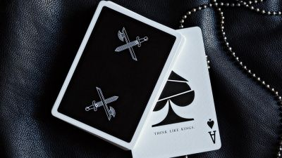 kings black deck