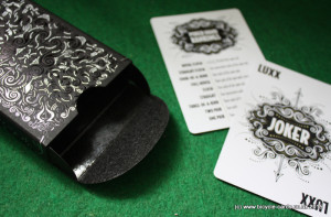luxx v2 deck review - open tuck case and jokers